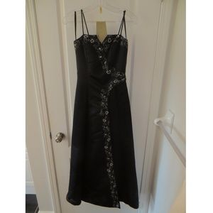 Black formal prom dress